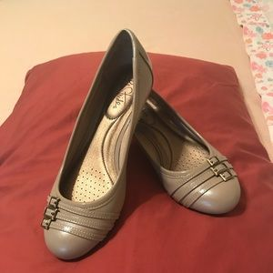 Ladies shoe size 6